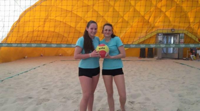 Mladé naděje Sokola bojovaly na domácím šampionátu v halovém beachi