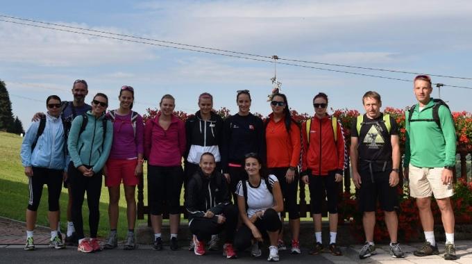 Video: volejbalistky Šternberka a Olomouce na trati Jesenického maratonu
